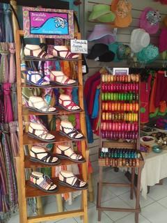 présentoir sandales